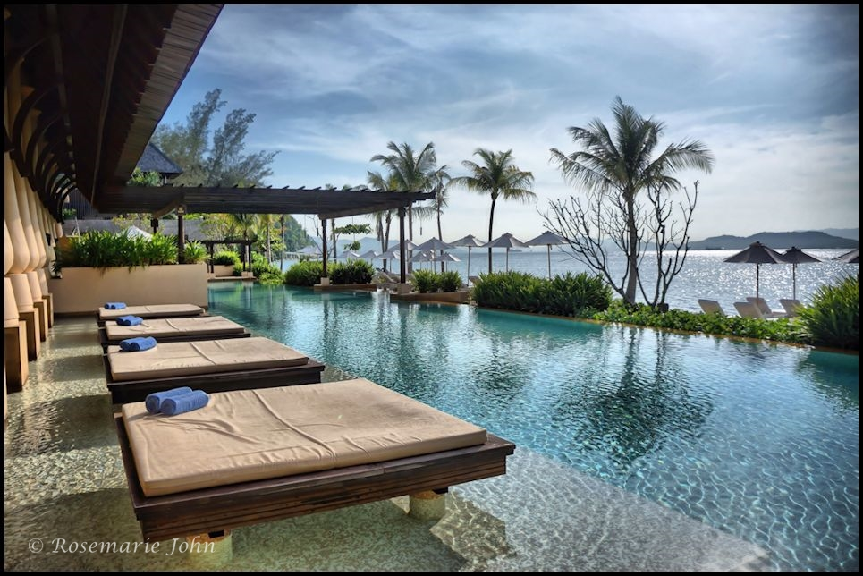 We would laze around here as well - At the pool!