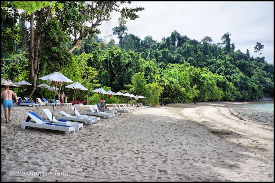 Other days, we headed to Tavajun Bay - the private beach on the other side of the island.