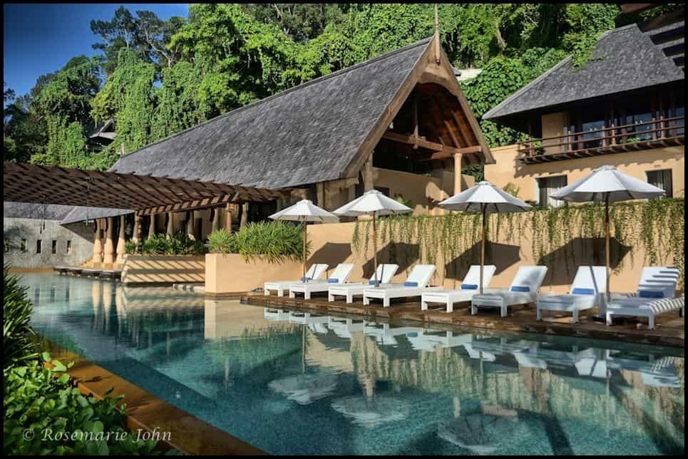 The gorgeous lap pool!
