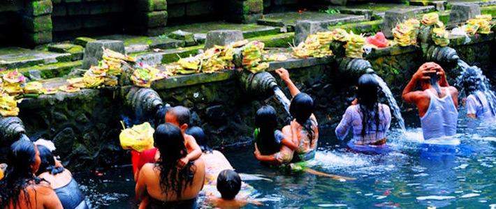 Thumbnail image for The Purifying Waters of Thirtha Empul