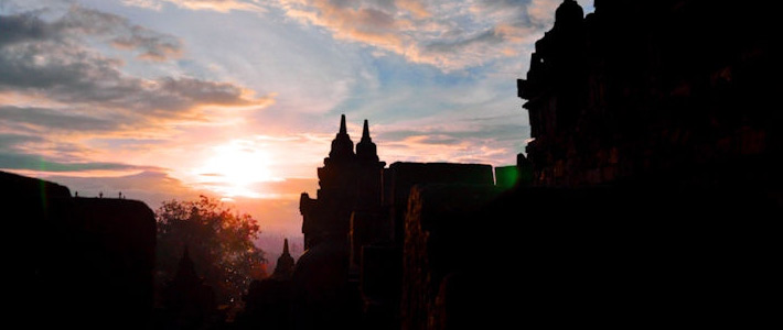 Thumbnail image for Twilight Over Borobudur – The Sunrise Tour