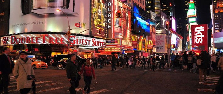 Thumbnail image for Experiencing Times Square – Dining at Junior's