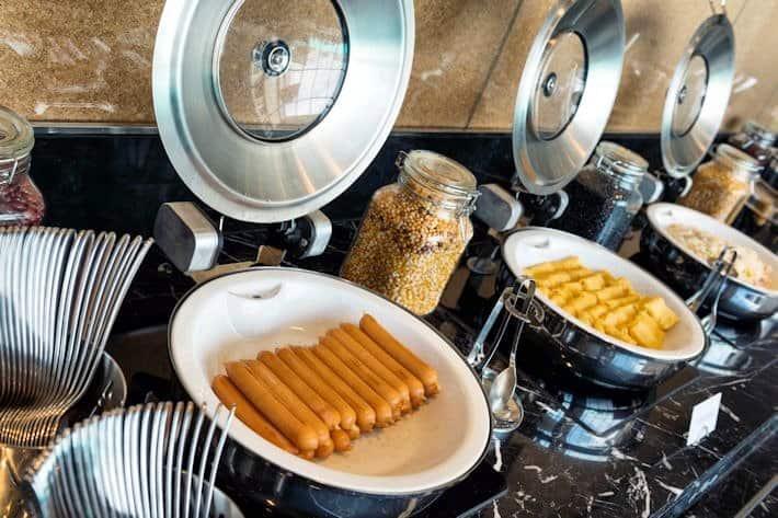 HIEX BKK - Complimentary Breakfast1