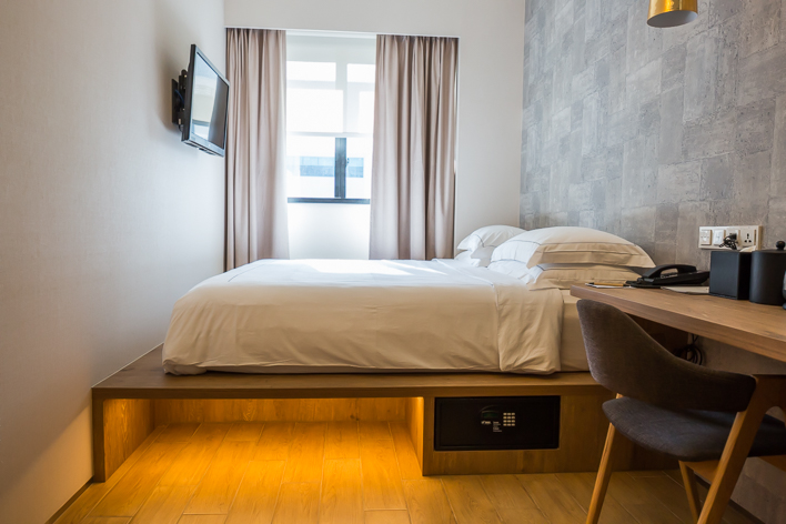 Big Hotel Singapore Modern Chic And Centrally Located