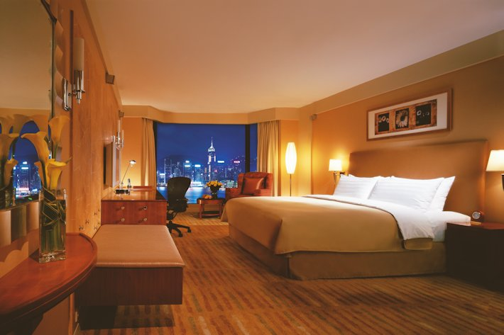 Horizon Club Harbour view room (King) Kowloon Shangri-La